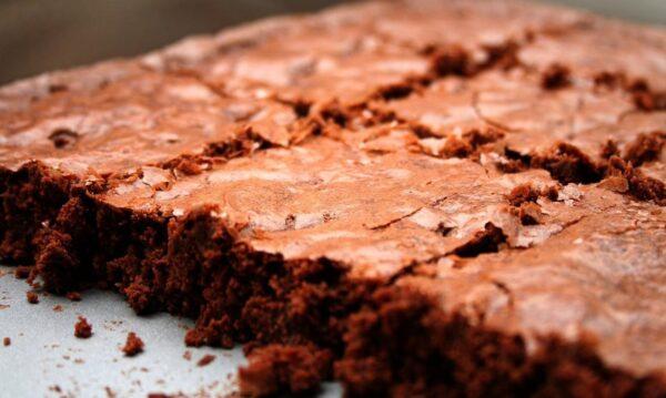 kit para hacer brownies en tu casa. Incluye ingredientes, moldes y receta.